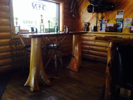 Chauncey's Pub: Cool knotty pine throughout