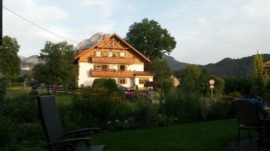 Hotel Steiger: vista dala camera con sullo sfondo il castello