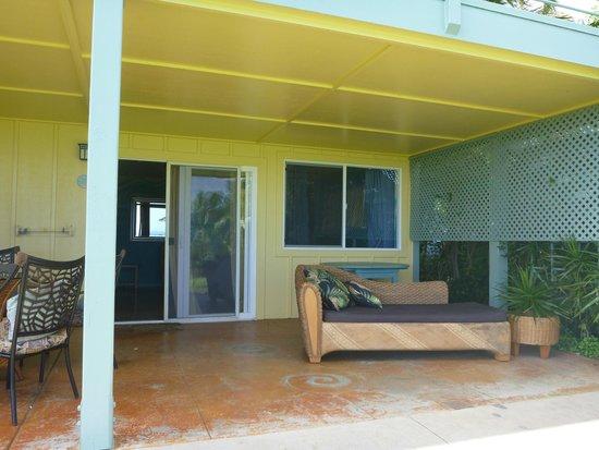 Maui Ocean Breezes: Studio apt patio