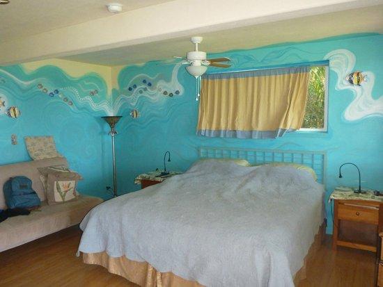 Maui Ocean Breezes: Studio apt bed
