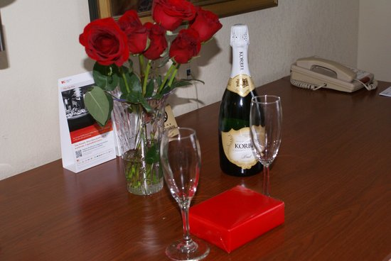 Holiday Inn Express Hotel & Suites Latham : Valentine's Day goodies
