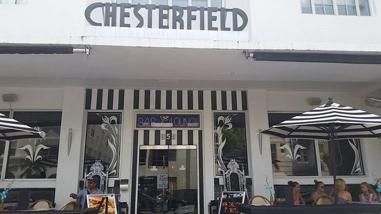 Chesterfield Hotel: Front of hotel
