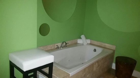 Chesterfield Hotel: Jacuzzi