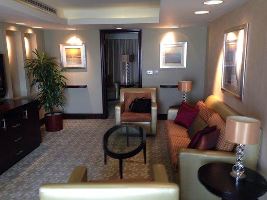 InterContinental Abu Dhabi: Sitting area.