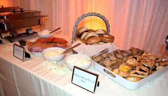 Stork's Cafe and Bakery: Great brunch buffet