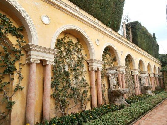 Giardino lapidario picture of villa jardins ephrussi for Villa jardins ephrussi de rothschild