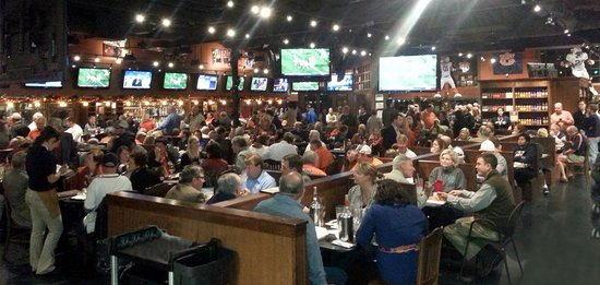 Baumhower's Victory Grille : Bob's Victory Grille