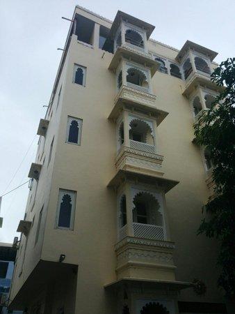 Jaiwana Haveli: The hotel