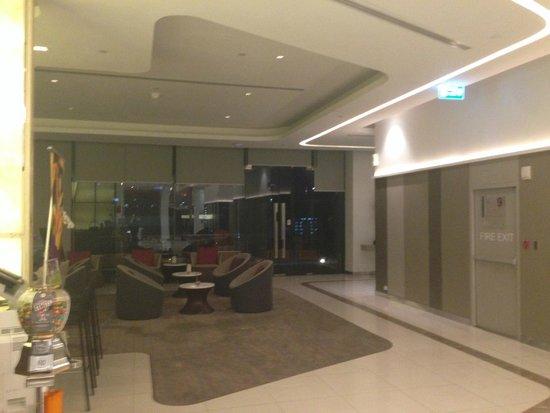 Mercure Bangkok Siam: bar