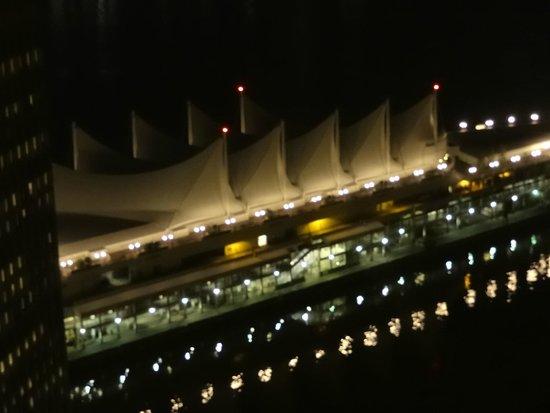 Vancouver Lookout: der Hafen bei Nacht - elegant!