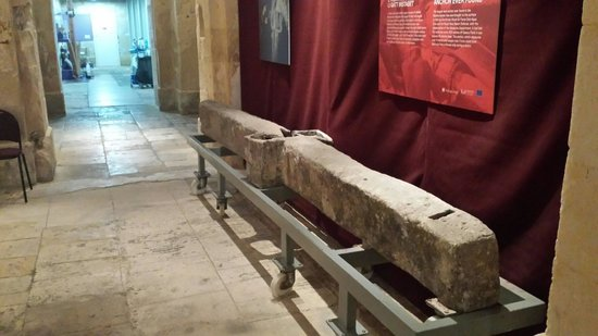 Malta Maritime Museum: Roman anchor