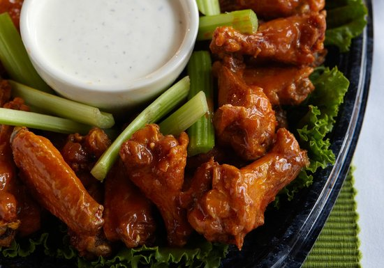 Baumhower's of Patton Creek: Wings