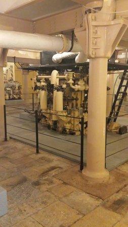 Malta Maritime Museum: Steam engines