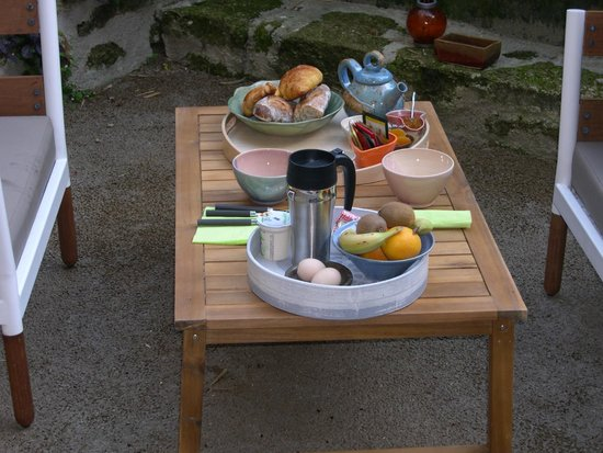 Farfadine & Troglos: La salle à manger de plein air
