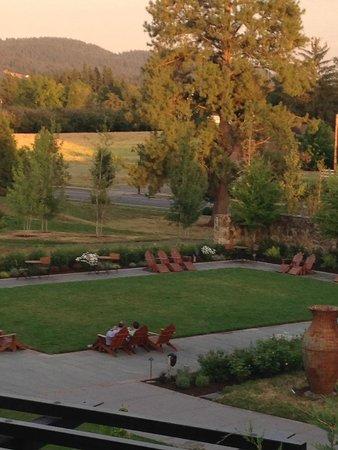 Allison Inn & Spa: gorgeous serene grounds