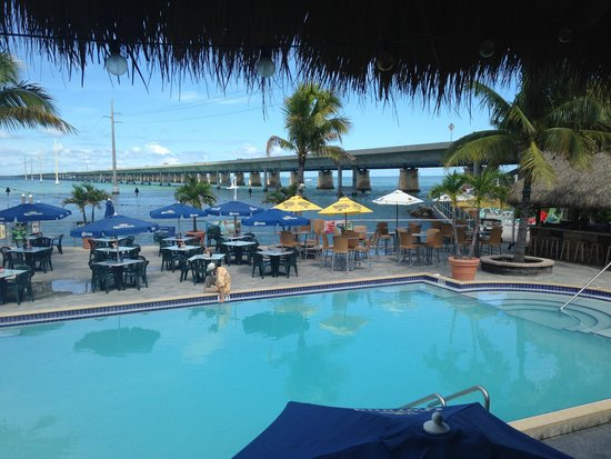 Sunset Grille and Raw Bar: Pool Area and Bridge