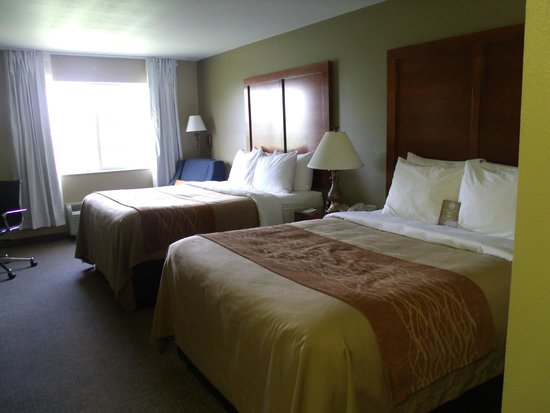 Comfort Inn Emporia: Double Queen Room