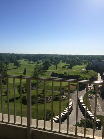 Eaglewood Resort & Spa: Overseeing the golf course