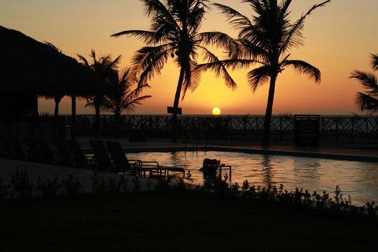 Barra Grande, PI: por do sol na Manati