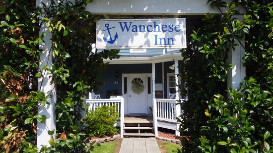 Wanchese Inn B&B: Front to the Property