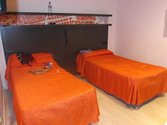 Hostal Benidorm: Bedroom