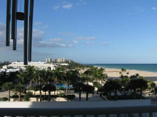 Fort Lauderdale Beach : Looking north from Harbor Beach toward Las Olas