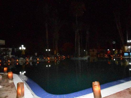 Hotel Nesrine: Romantik am Pool