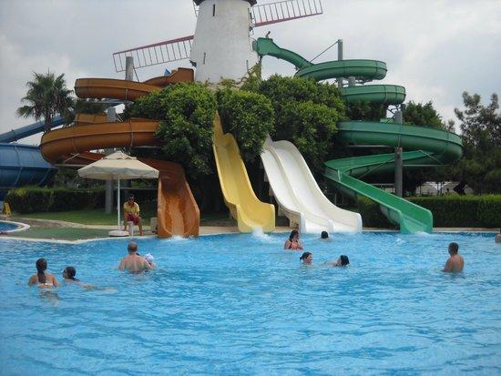 Sunrise Park Resort and Spa: горки для взрослых