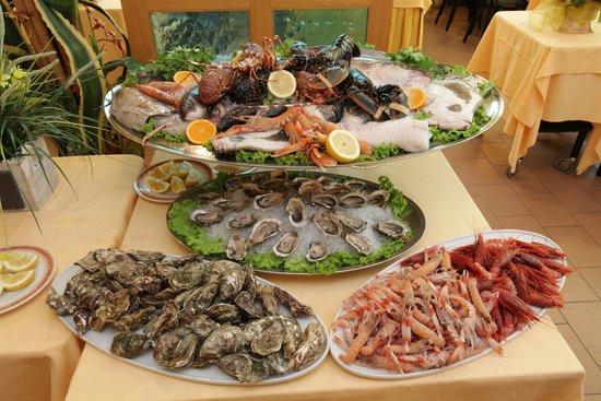 Ровербелла, Италия: crostacei e frutti di mare