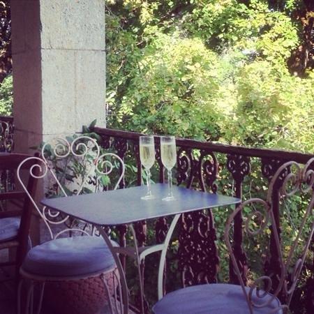 Manoir le Bigourda: Evening drinks on the terrace.