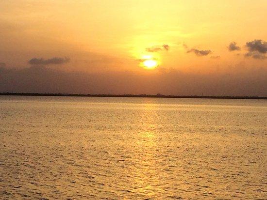 The Westin Lagunamar Ocean Resort: Sunrise Each and Every Morning