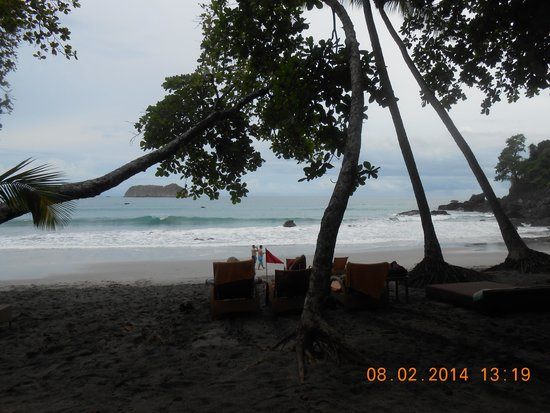 Arenas del Mar Beachfront & Rainforest Resort: Peaceful, Secluded Beach