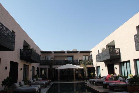 Cesar Resort & Spa: Pool area