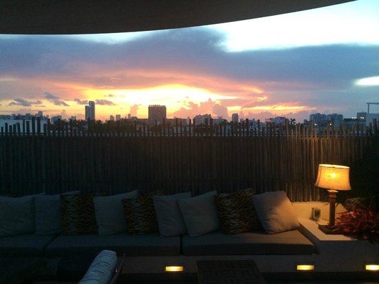 The Betsy - South Beach: The Roof-top night
