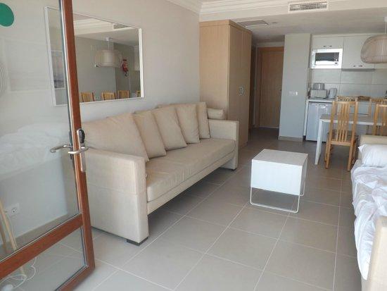 TUI Family Life Flamingo Beach Resort: LIVING AREA