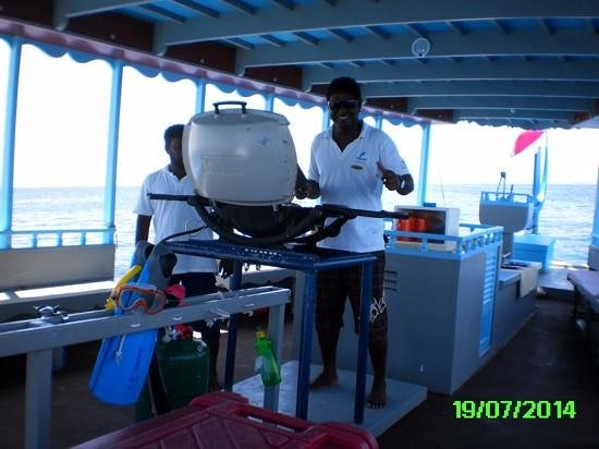Constance Moofushi: bbq on board private island for the day !!!