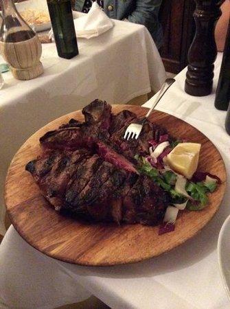 Antica Trattoria da Tito: Fiorentina 1,5 kg