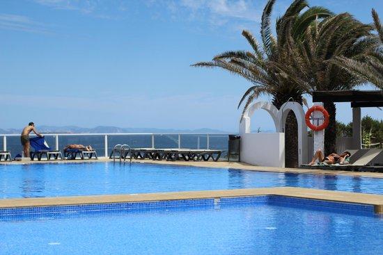 Hotel Club Punta Prima: La piscina