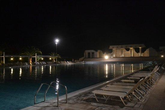 Kipriotis Village Resort: wiodk nocą