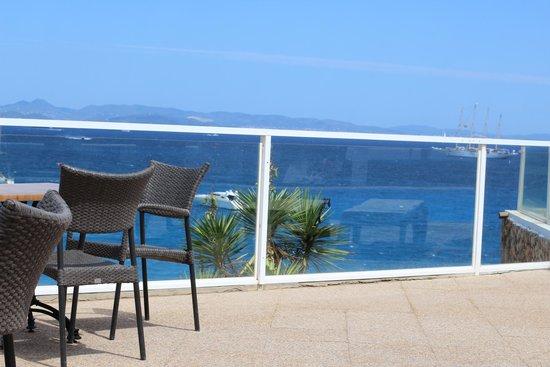 Hotel Club Punta Prima: La terrazza della piscina