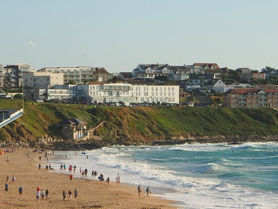 The Esplanade Hotel : View of the hotel from Fistral Beach - within easy walk via path