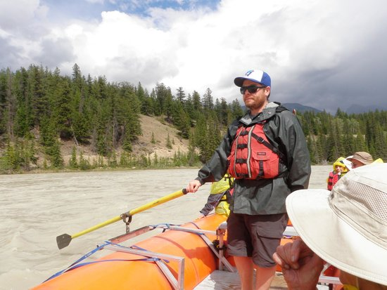 Jasper Raft Tours: Experienced skipper