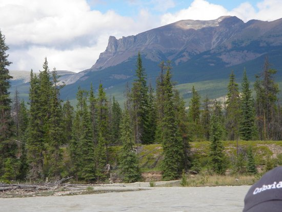 Jasper Raft Tours: Beautiful scenery