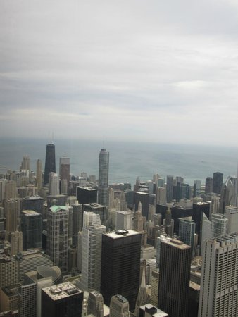 Skydeck Chicago - Willis Tower : SkyDeck View