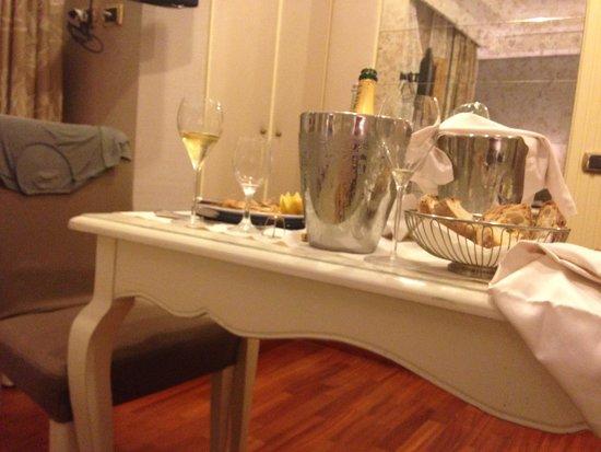 Piccolo Borgo: Cena in camera