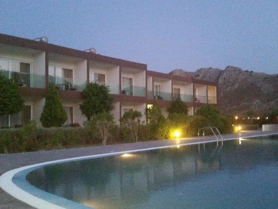 Hotel Anavadia: piscine 2 le soir