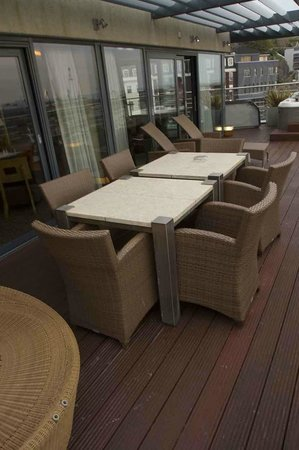 Royal Yacht Hotel: Private terrace - dining ares