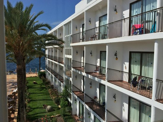 Catalonia Ses Estaques: Ses Savinas side of Hotel