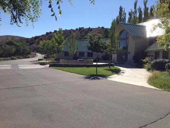 Valyermo, CA: St Andrew's Abbey Welcome Center and Book Store