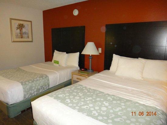 La Quinta Inn Tampa Near Busch Gardens: quarto